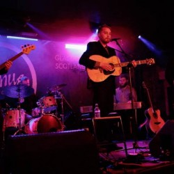 Adam Holmes and the Embers. Photo by Julia Nicolle (at Oran Mor)